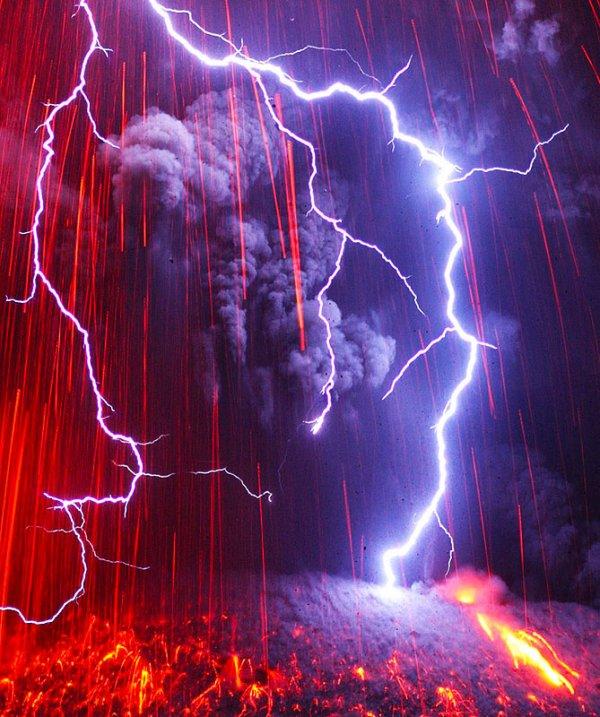 molniya-v-vulkane1