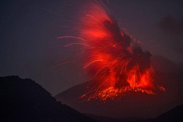 molniya-v-vulkane9