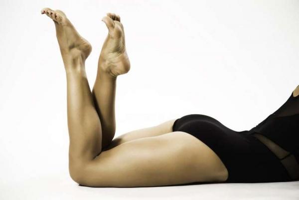Фото. Женщина на полу