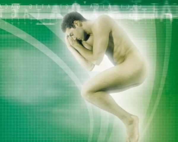 Фото. Сон голым помогает худеть