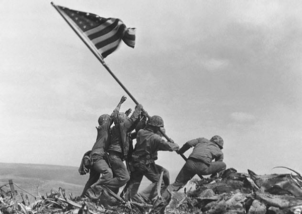 raising-the-flag-on-iwo-jima-1945