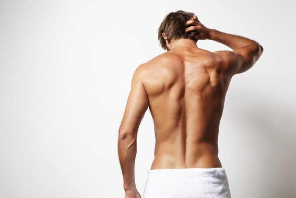 Фото. Парень в полотенце