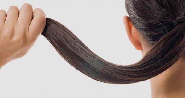Фото. Длинные волосы у женщины
