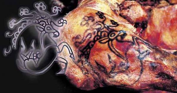 Фото. Татуировка на теле принцессе Укока