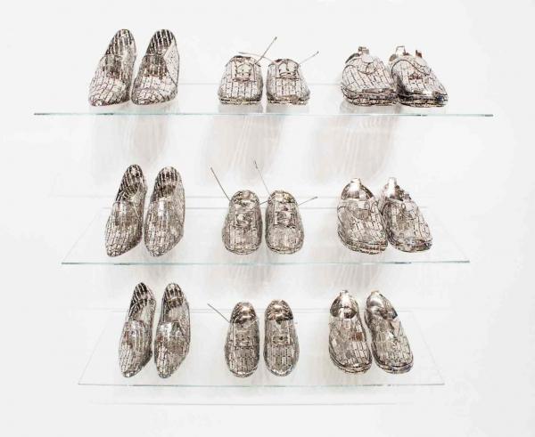 Набор обуви из лезвий