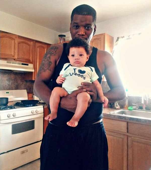 Кори Кэннон с ребенком