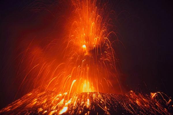 molniya-v-vulkane10