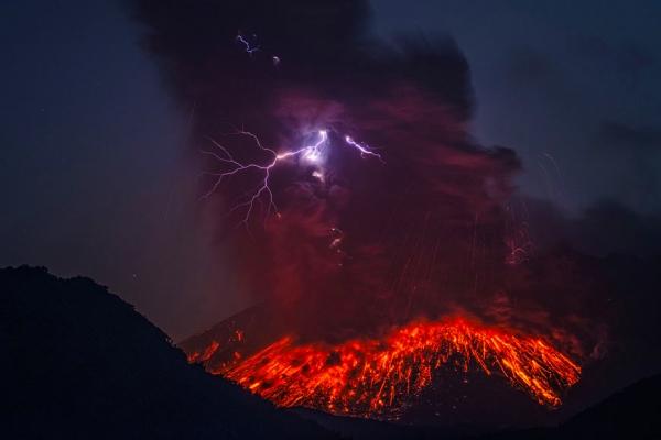 molniya-v-vulkane5