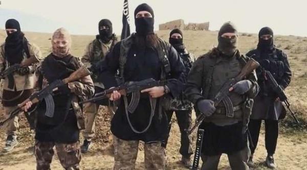 Фото. Вооруженная группа боевиков