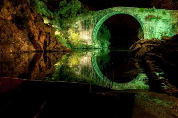 Фото. Живописные бассейны Мадригаль-де-ла-Вера