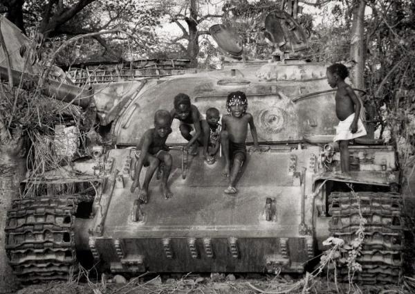 Фото. Танк в Африке