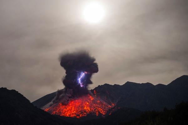 molniya-v-vulkane4