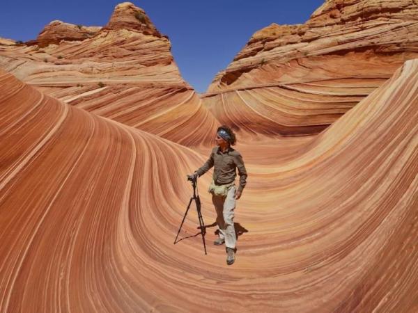 Известный каньон с каменными волнами