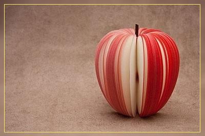 Фото. Яблоко из листочков бумаги