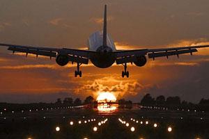 Фото. Взлетающий самолет