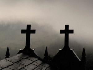 Фото. Призрачные кресты в тумане