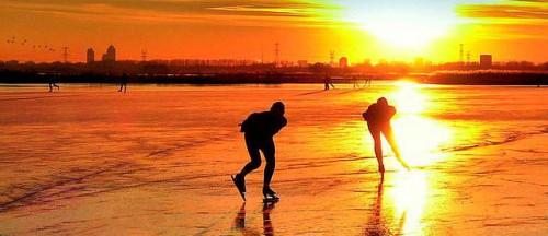 Фото. Лед и коньки