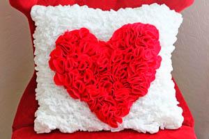Фото. Подушка с сердцем