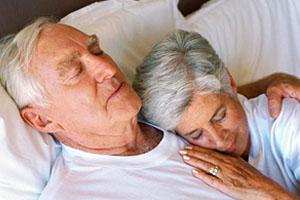 Фото. Старики спят