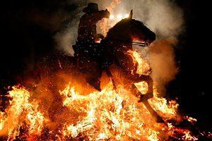 Фото. Человек в огне