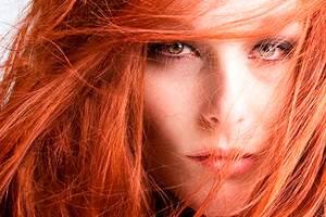 Фото. Рыжеволосая девушка