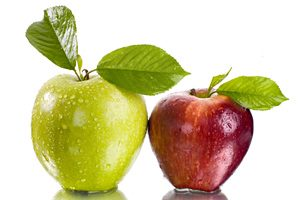 Фото. Два красивых яблока