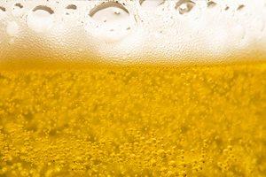 Пиво в бакале, пенистое