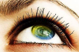 Фото. Человеческий глаз