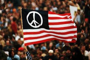 Фото. Мир и американский флаг