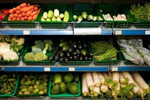 Для продажи много овощей