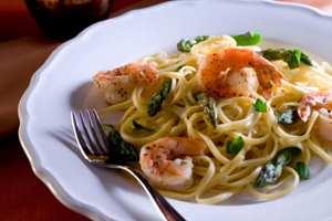 спагетти и креветки