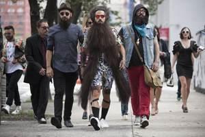 бородачи в городе