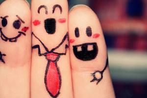связь между пальцами
