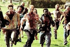 бегут зомби