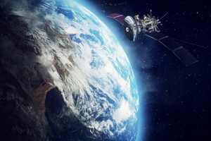 спутник вращается вокруг планеты