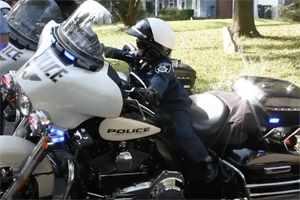 мальчик хочет стать полицейским
