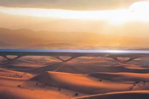 транспортная труба в пустыне