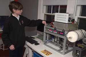 парень построил ядерный реактор