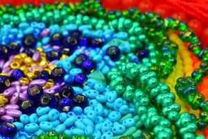разноцветный бисер