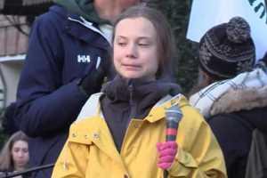 Грета Тунберг видит углекислый газ