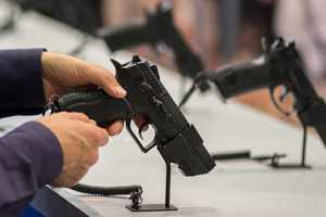 американцы скупают оружие