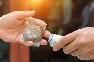 деньги за наркотики
